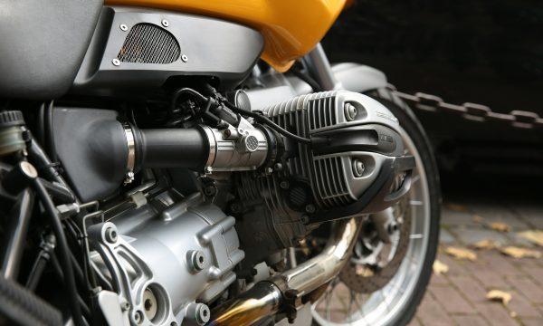 motorcycle-428188_1920