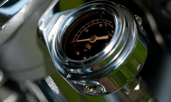 oil-temperature-gauge-209651_1920